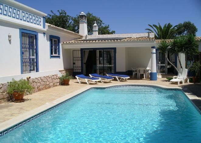 High Quality Family Villa In Algarve